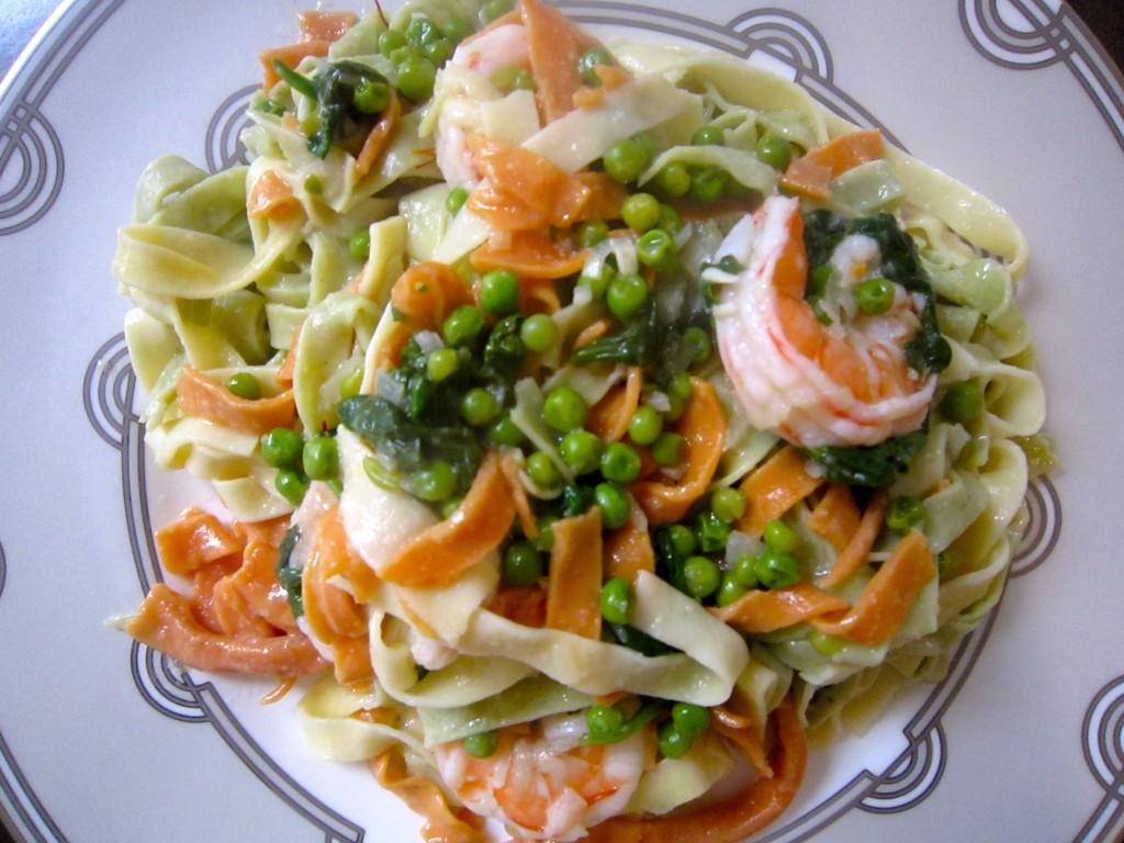 Pasta w/ Saffron, Shrimp & Peas – Ramshackle Glam