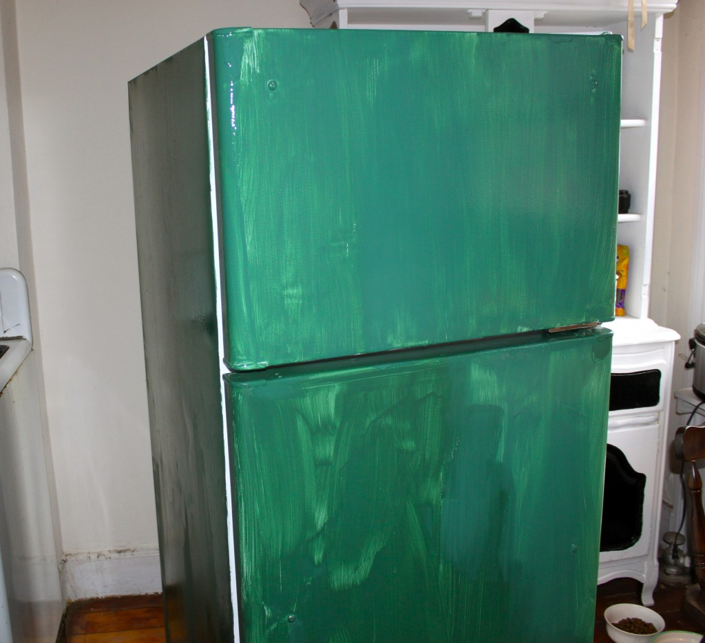 Diy chalkboard refrigerator ramshackle glam for Chalkboard appliance paint