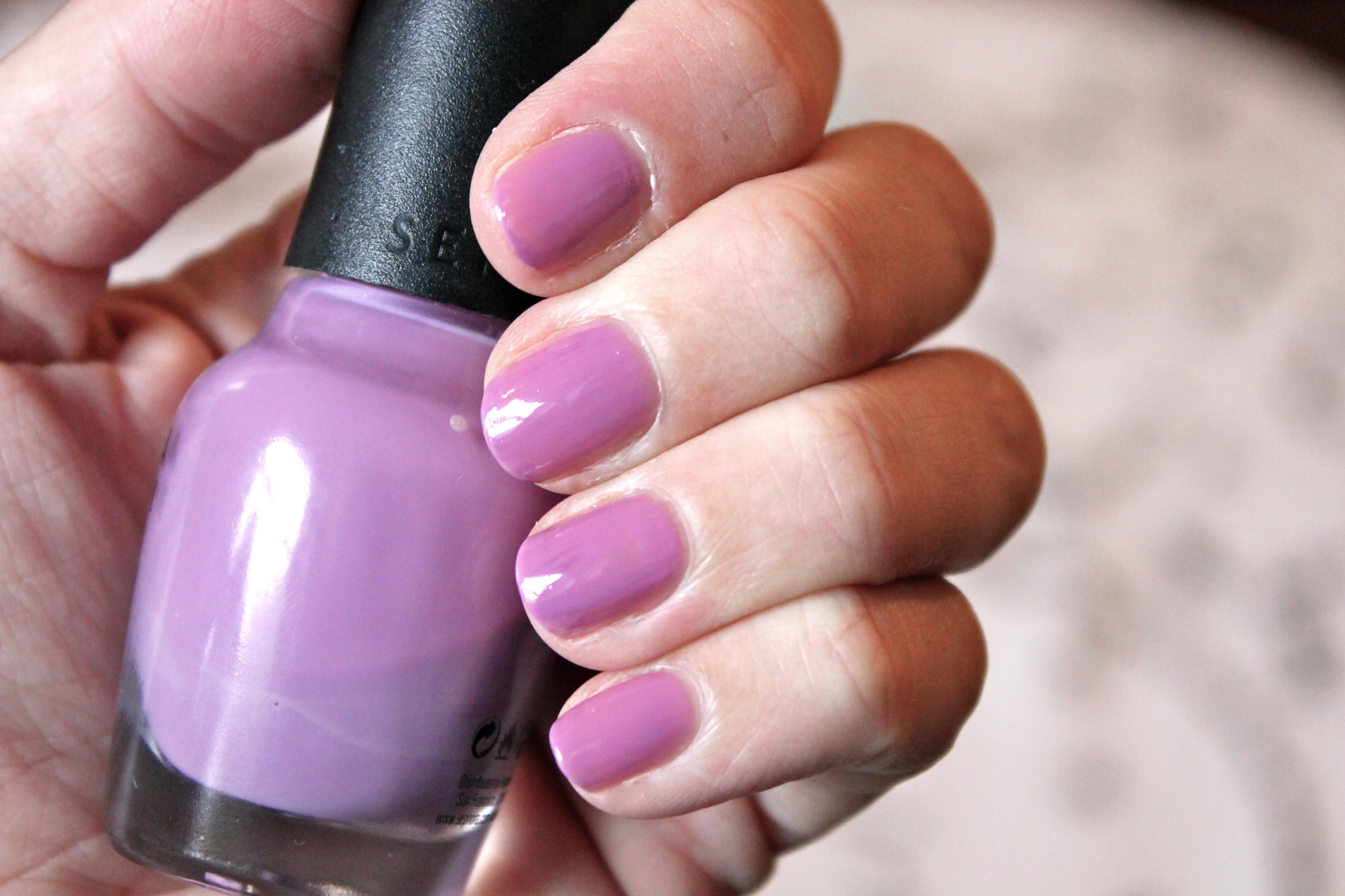 DIY Perfect Mauve Nailpolish – Ramshackle Glam