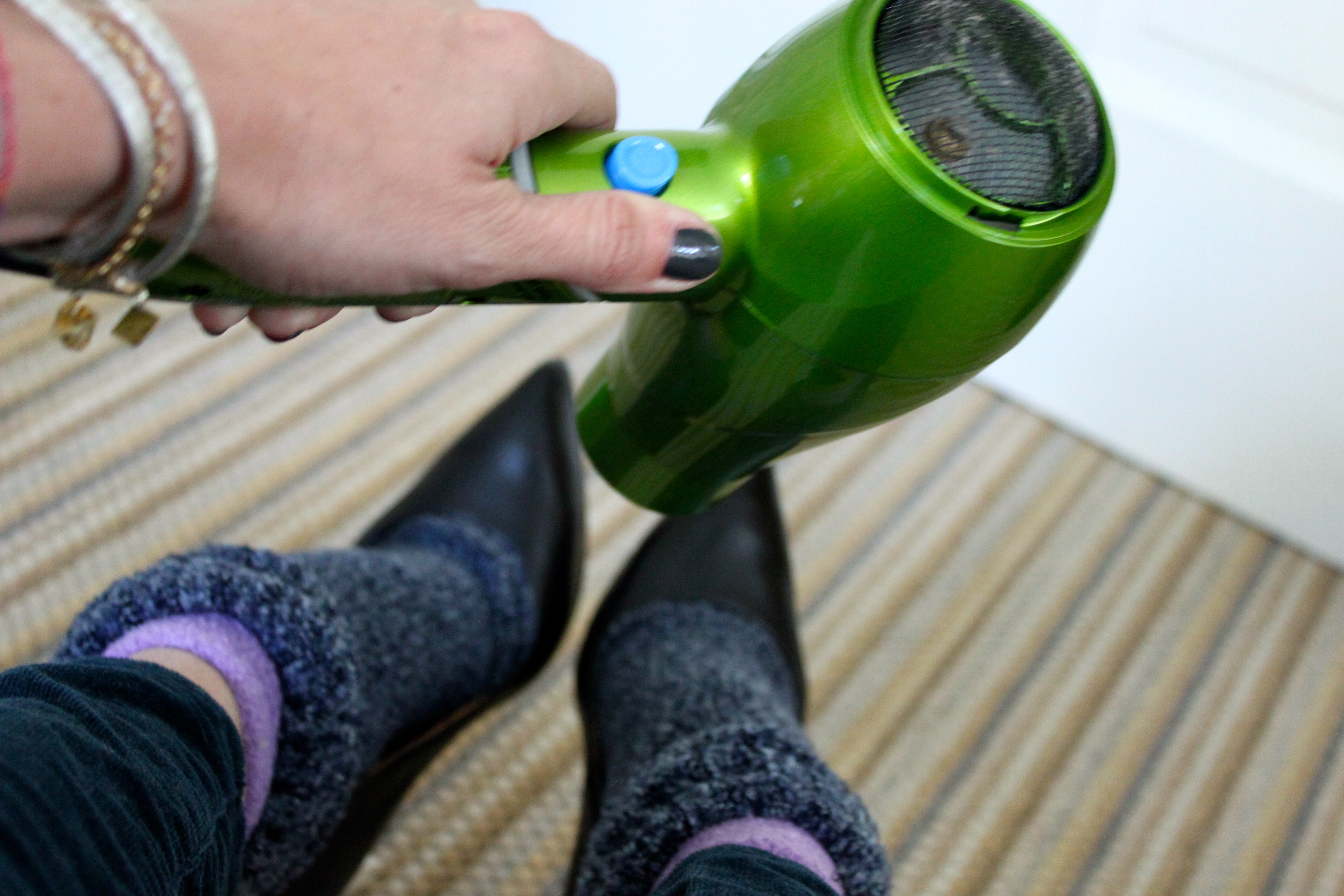 How-To: Stretch Out Your Too-Tight Shoes – Ramshackle Glam